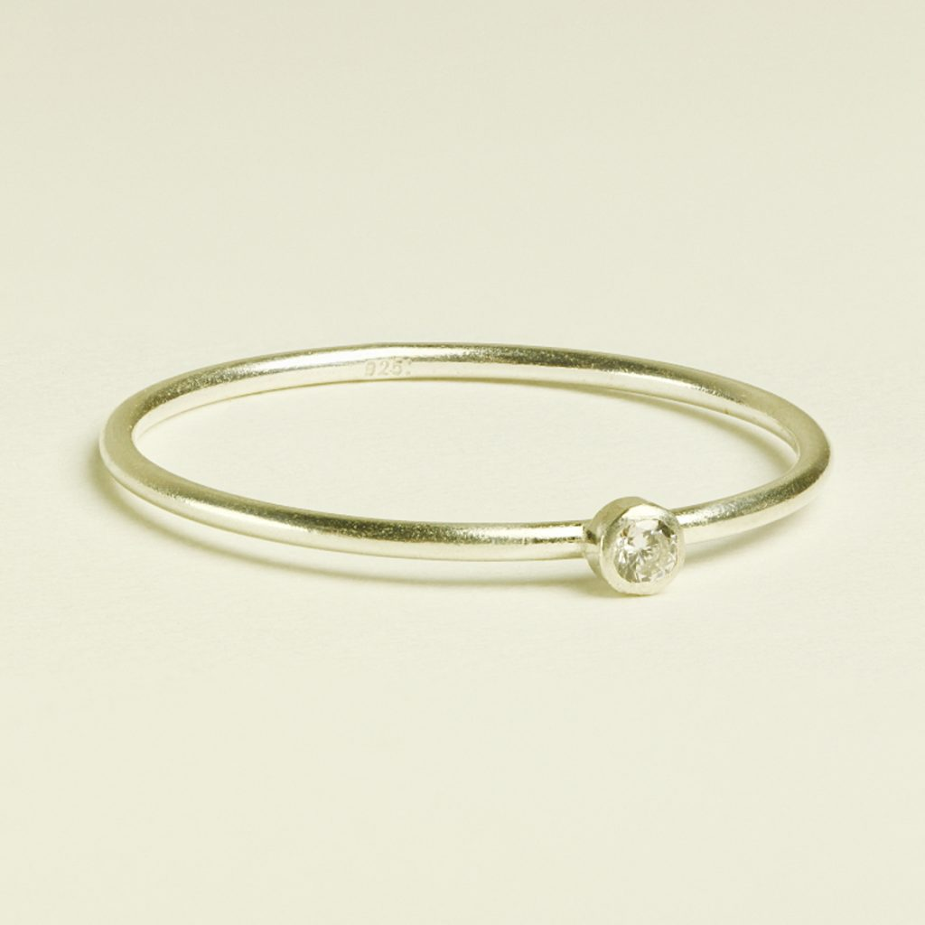 diamond ring profile photo