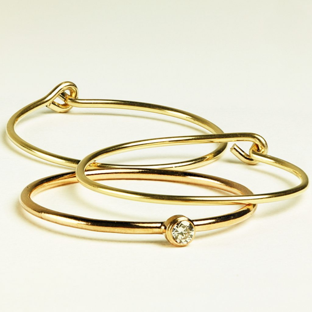 gold tiny diamond ring
