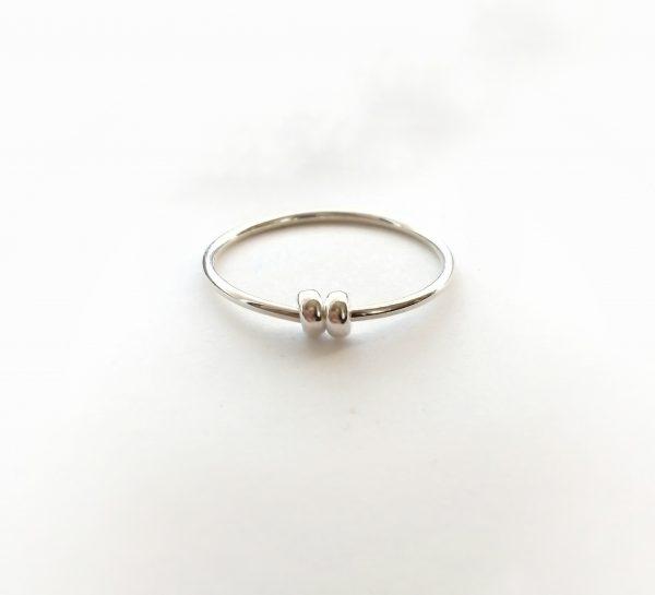 two doughnut bead spinner ring